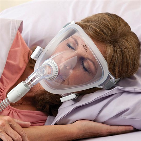 How to Use CPAP Machines and Masks Comfortably When You Have a Cold