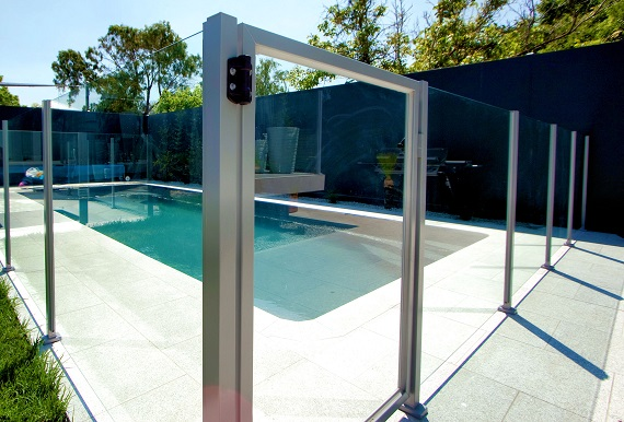Glass Fencing for a Fancy Pool Area