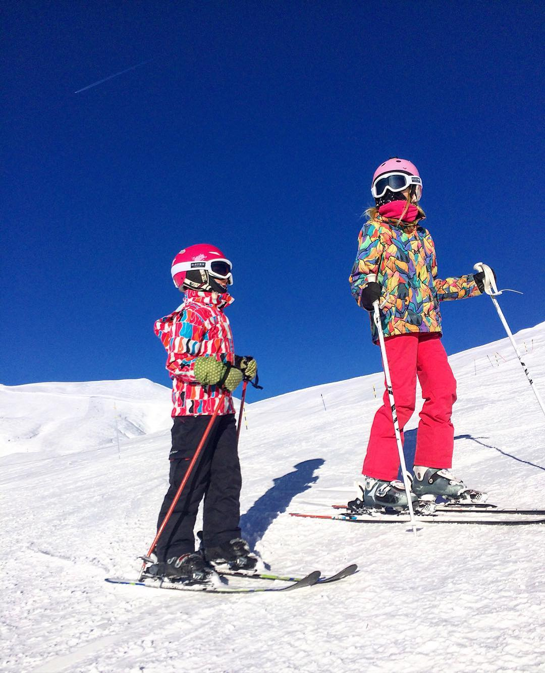 Staying Warm & Comfortable on the Slopes: How to Choose Ski Clothes for Kids