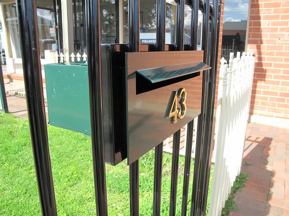 Fence-Letterboxes