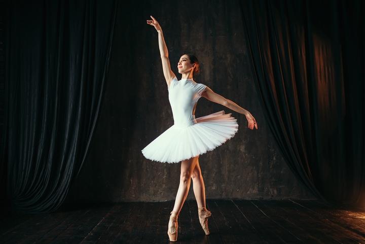 Contemporary dance ballet shos