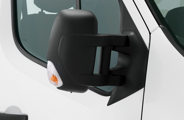 How to Pick the Ideal Side Mirror Replacement for Your Renault Master