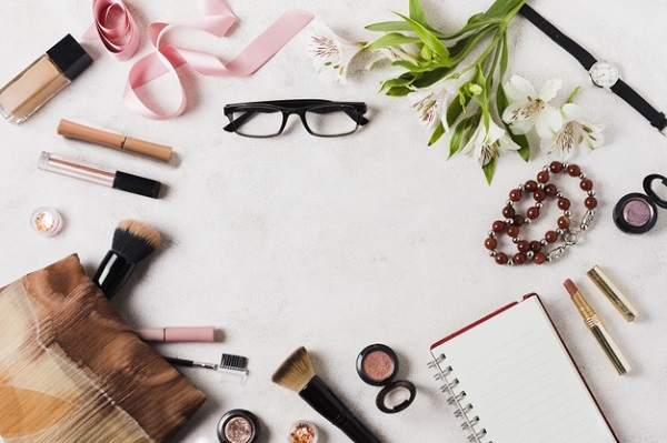 Must-Have Makeup Tools & Accessories (From Blending Foundation to Curling Eyelashes)