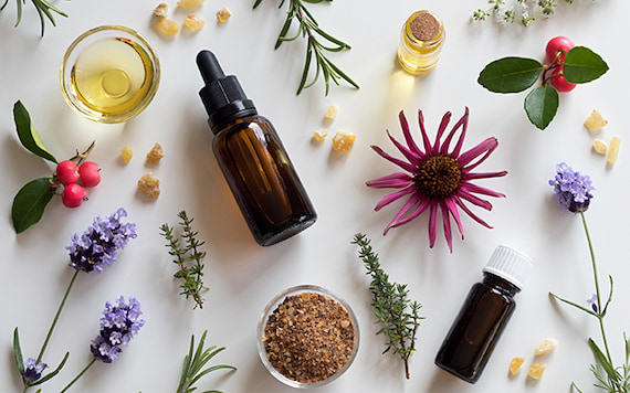 The Power of Essential Oils: Alternative Medicine To The Rescue