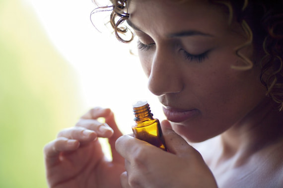 smelling-essential-oil